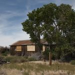 Cómo saber de quién es una casa abandonada