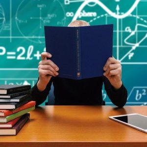 Saber los estudios de una persona
