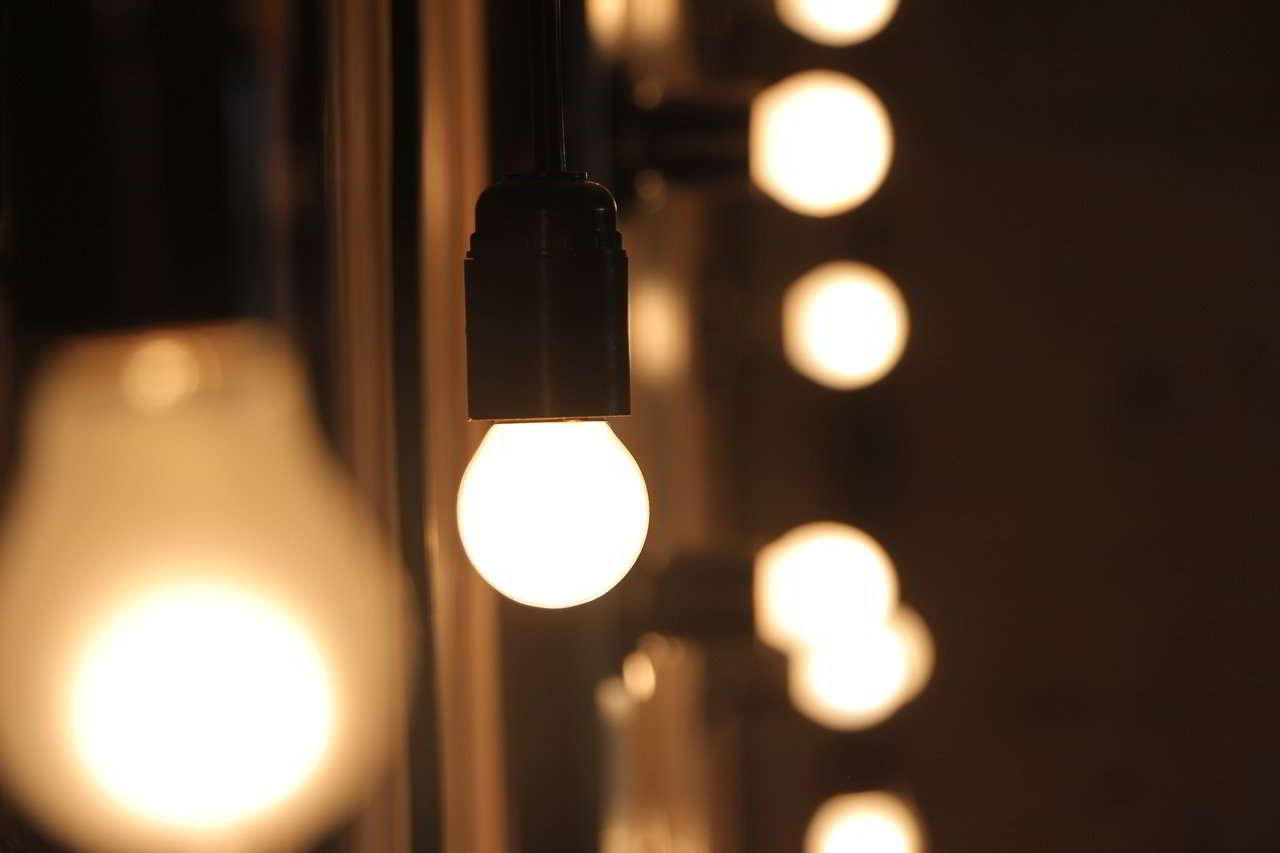 como saber si una bombilla LED esta fundida